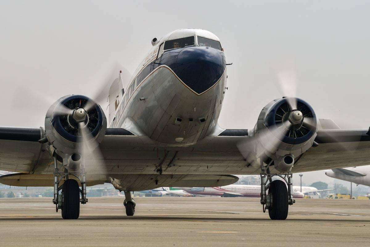 Breitling DC-3 World Tour 2017